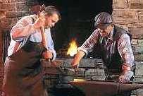 Geschichte der Wendener Hütte - Schmiede bei der Arbeit